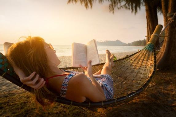 is it just me on seasonal reading habits - warm